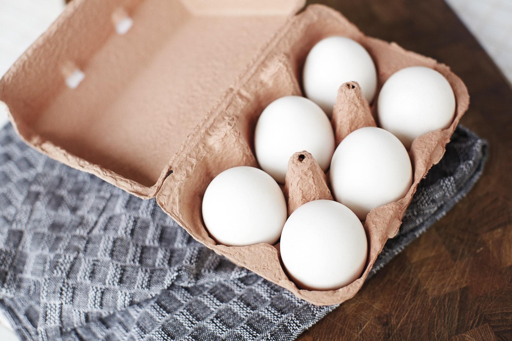 Vi danskere køber flere økologiske æg