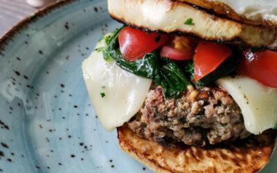 Selleri burger med Græskbøf og spejlæg