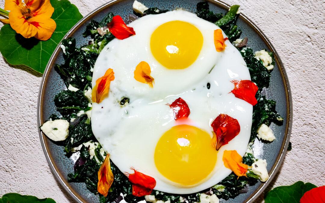 Retten med spinat, spejlæg og tallerkensmækker